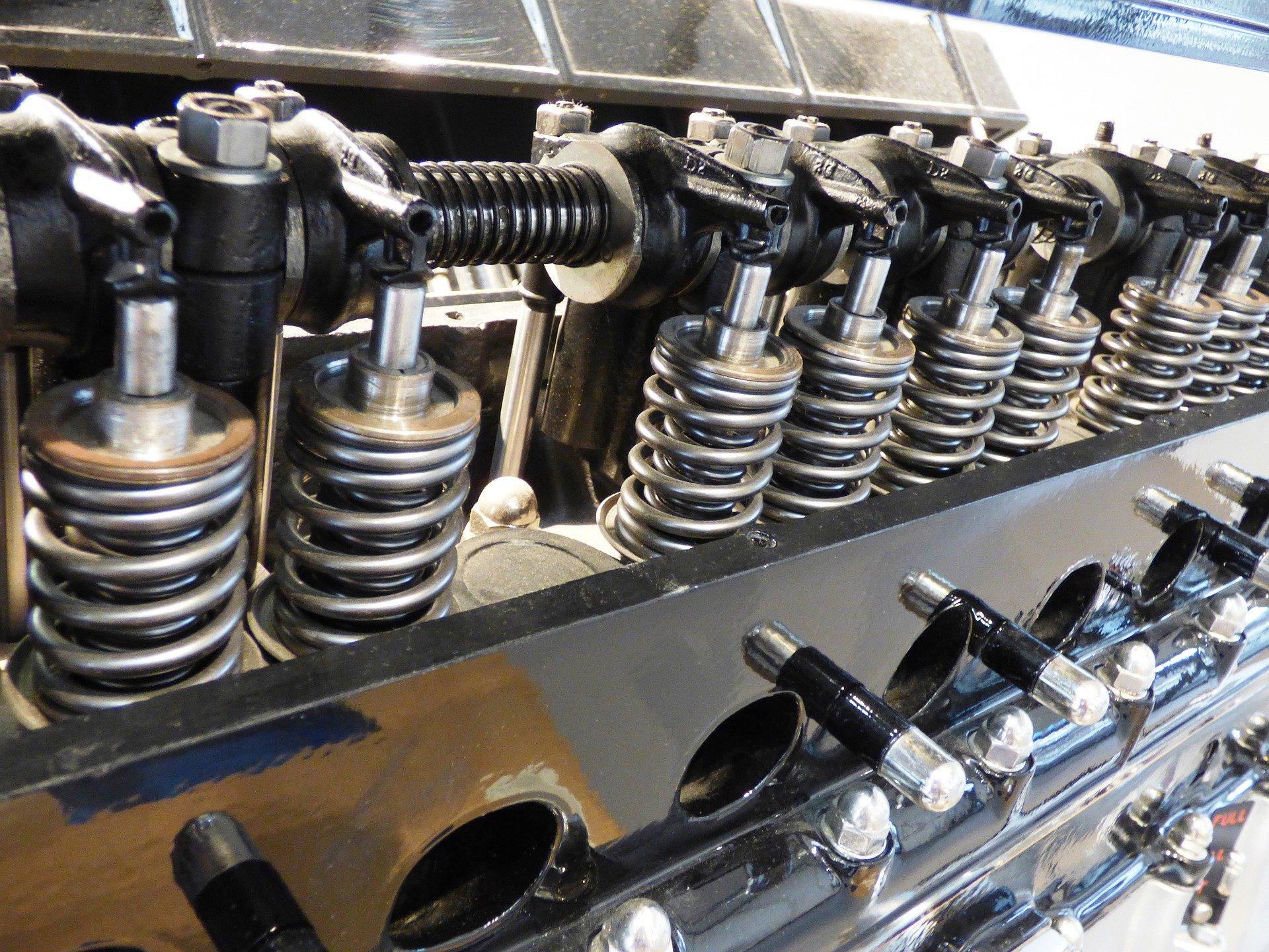 Ремонт двигателя грузовика